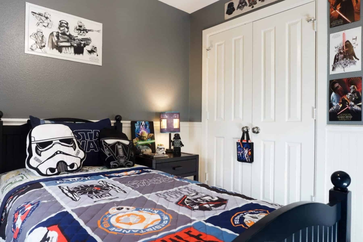 out of this world star wars bedroom kids bedroom decor ideas one happy housewife. Black Bedroom Furniture Sets. Home Design Ideas