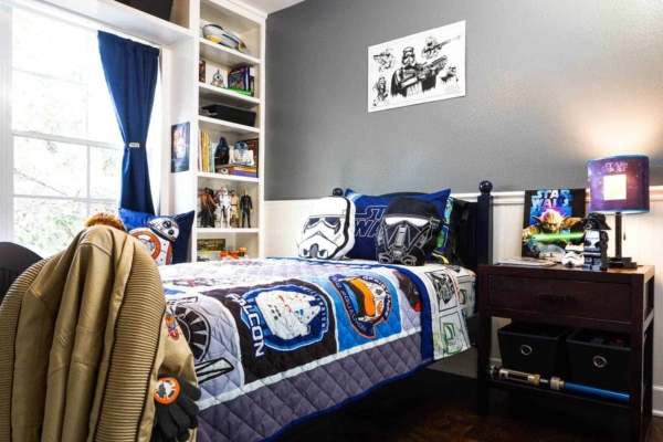 Decorating a Boys Bedroom with Star Wars Decor