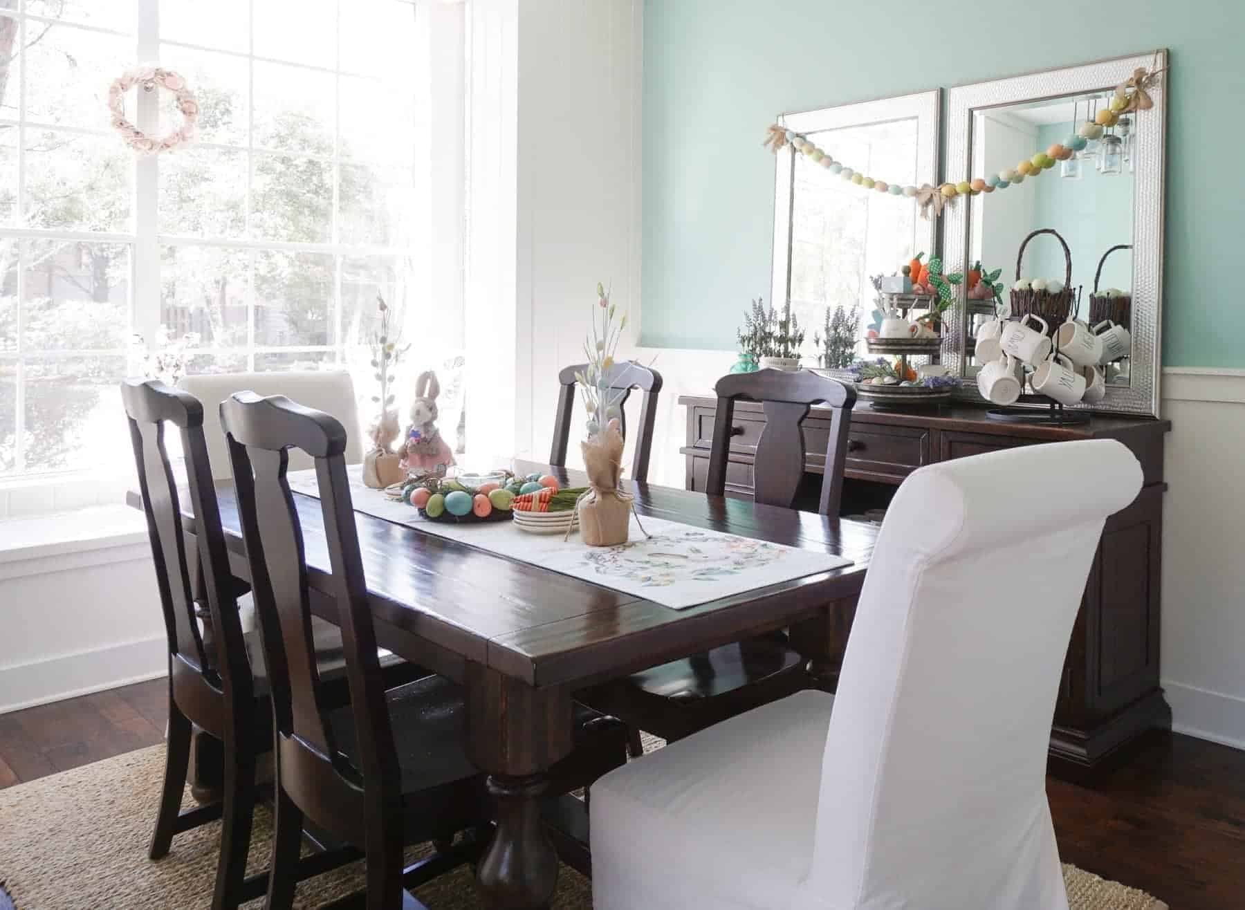 Decorating a Dining Room for Spring