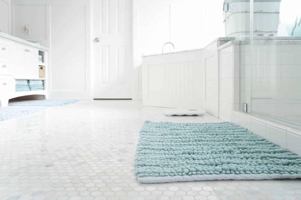 Clean floor in bathroom
