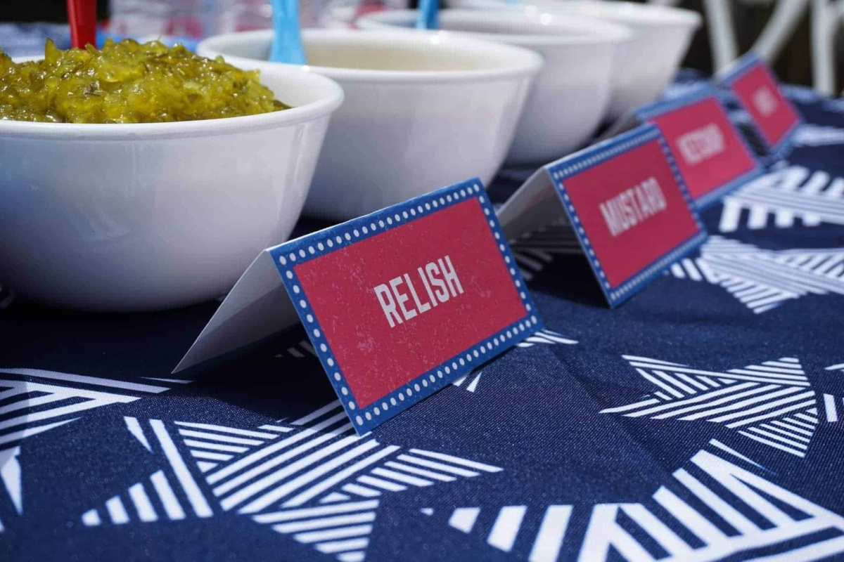 Free printables pack with 4th of July food labels.