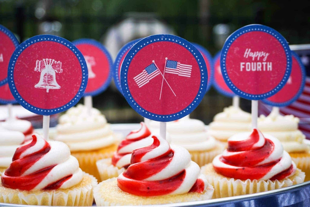 Serve up some patriotic cupcakes for your 4th of July celebration.