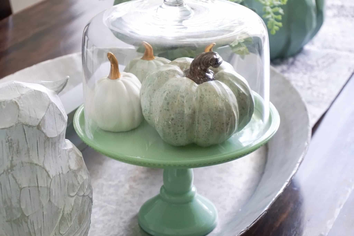 Fall centerpiece ideas for the dining room.