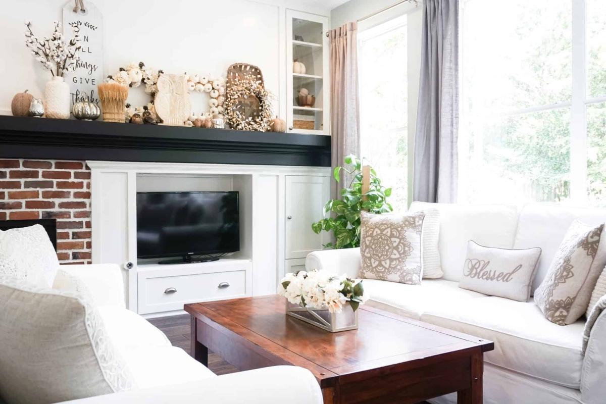 Fall living room decor ideas.