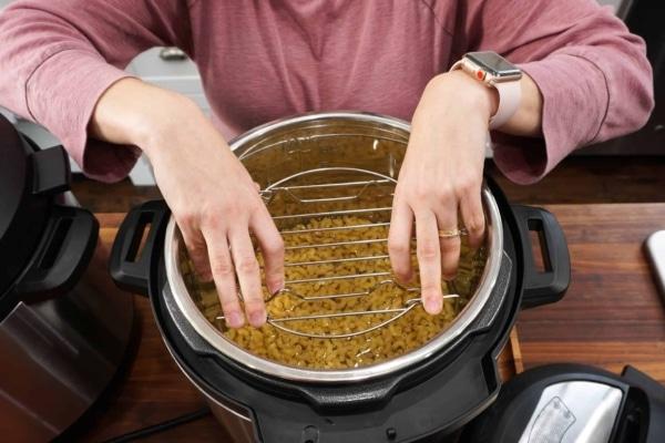 flip the trivet mess free pasta push the trivet down