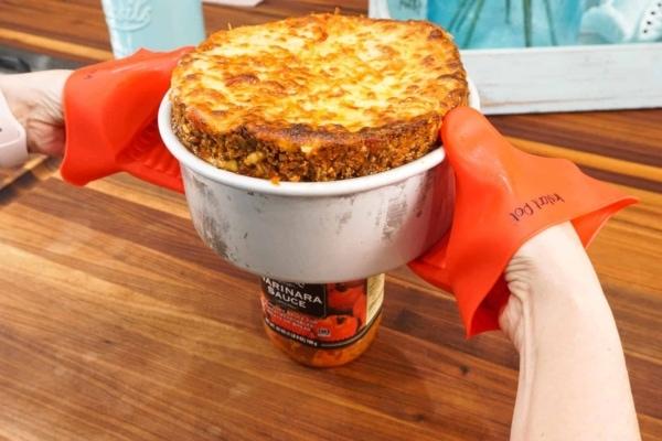 removing lasagna from a push pan