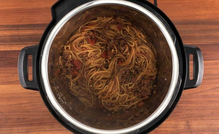 instant pot spaghetti and meat sauce in the instant pot