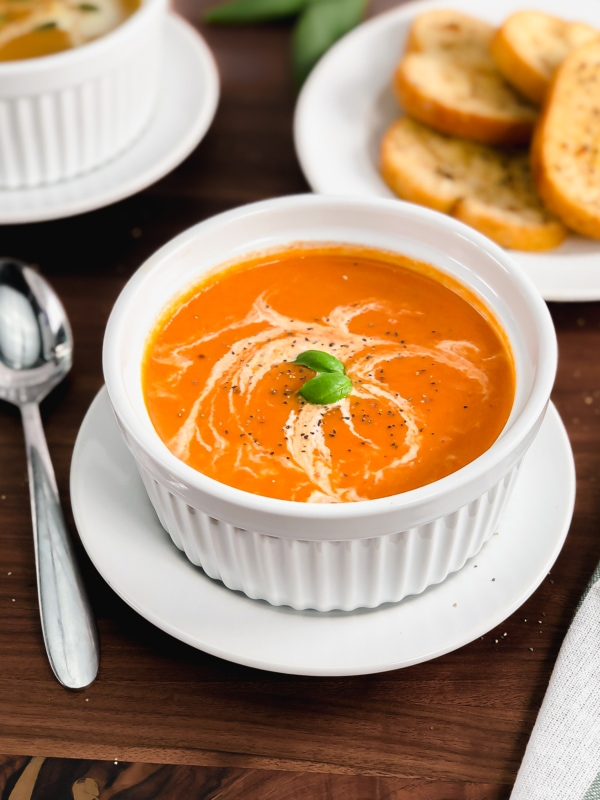 instant pot tomato soup with basil