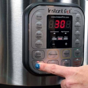 setting the instant pot to saute
