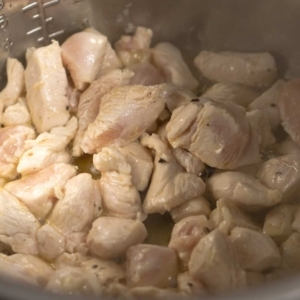 sauteing chicken in the instant pot for tuscan chicken pasta