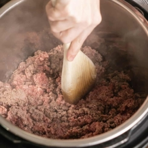 cooking ground beef in the instant pot using the saute function